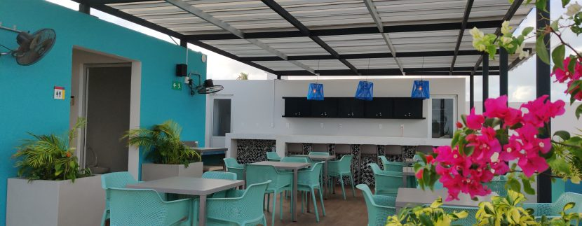 rooftop-dining-area